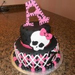 Monster high cake b&p